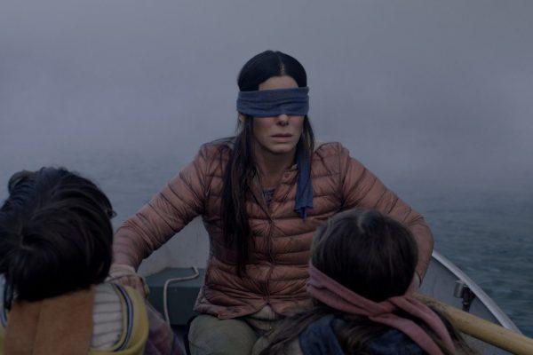 Sandra Bullock magie dans une barque les yeux bandés