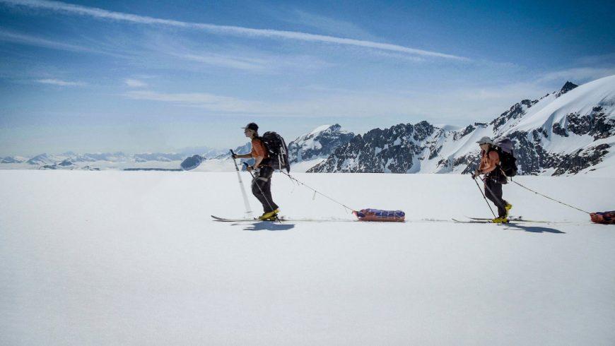 Femmes en ski de randonnée