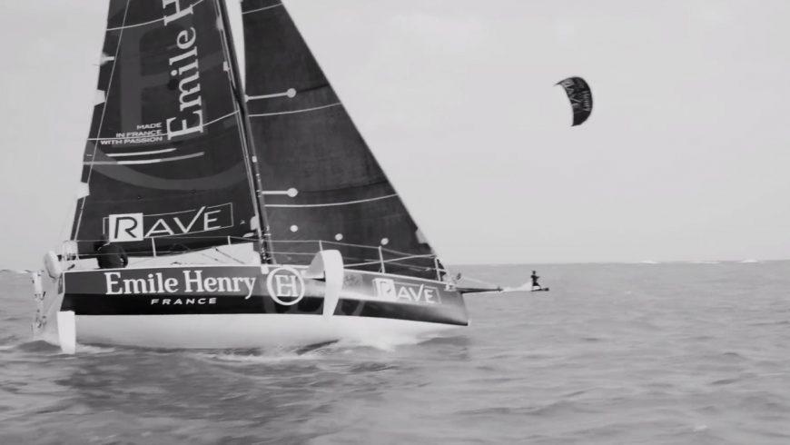 Course entre un Figaro 3 et un kite-surf