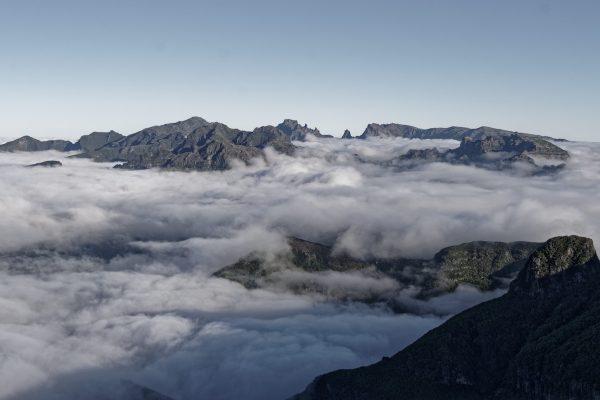 Madeire, vue générale montagnes et nuages
