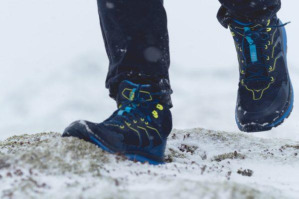 La Toa, chaussure de randonnée de Hoka one one dans la neige