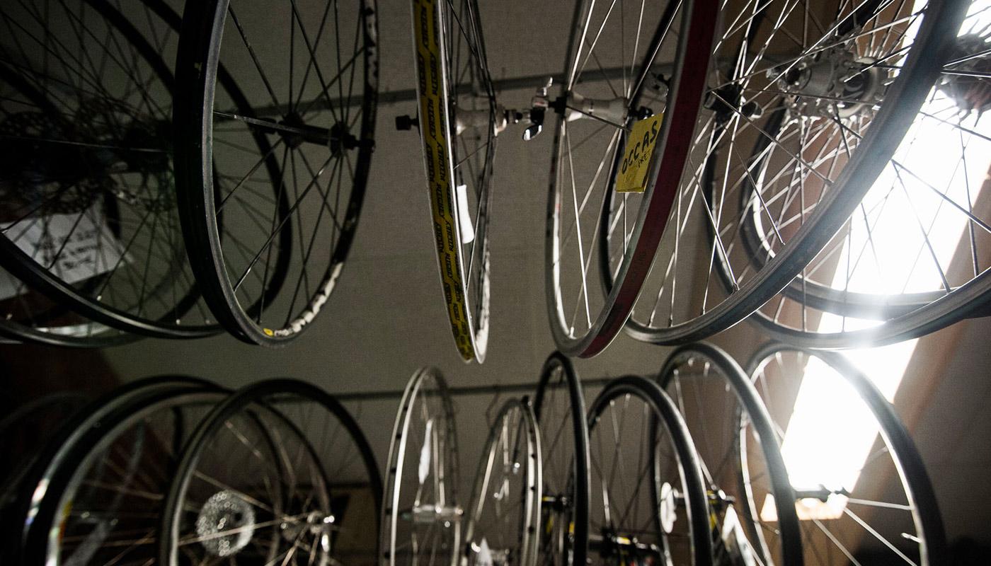 Ensemble de roues de vélos vintages.