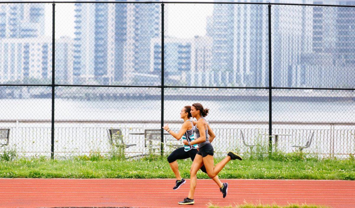 La publication, en 2009, de Born to Run a ravivé le débat sur la façon dont on doit poser le pied quand on court.