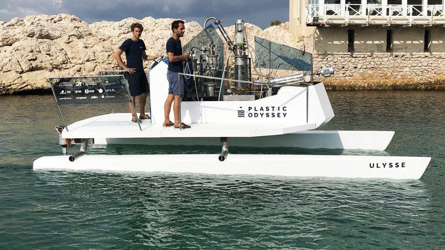 Plastic Odyssey en train de tester un prototype à Marseille.