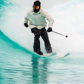 Candide Thovex ski sur l'eau