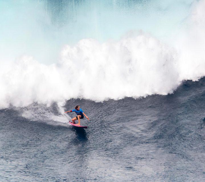 Justine Dupont Big wave
