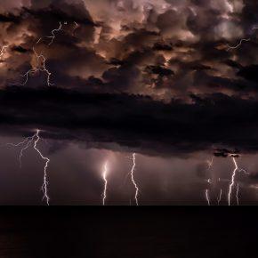 tempête avec éclairs