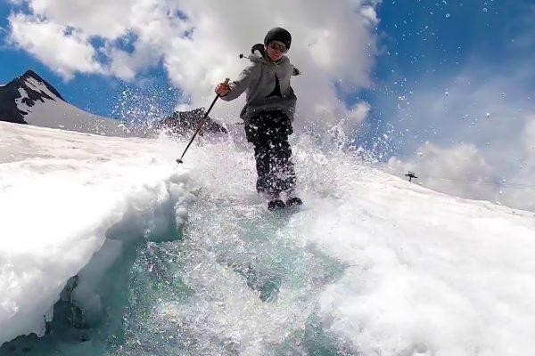 Ski sur glacier en fonte