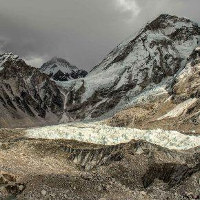 Camp de base de l'Everest, cascade de glace du Khumbu