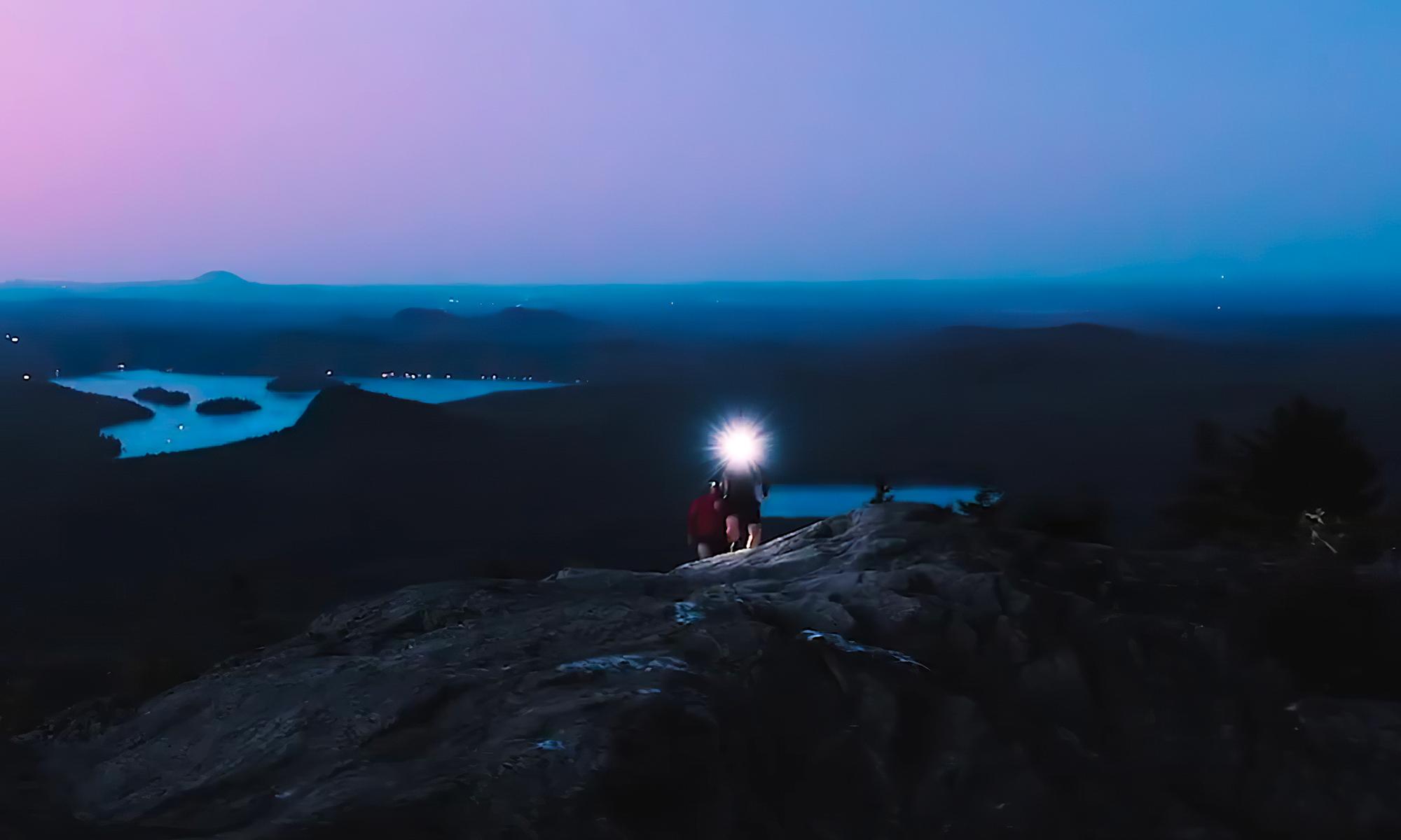 Coureurs dans la nuit