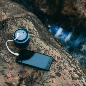 Enomad Uno : recharger sa batterie viar une centrale hydroélectrique portable