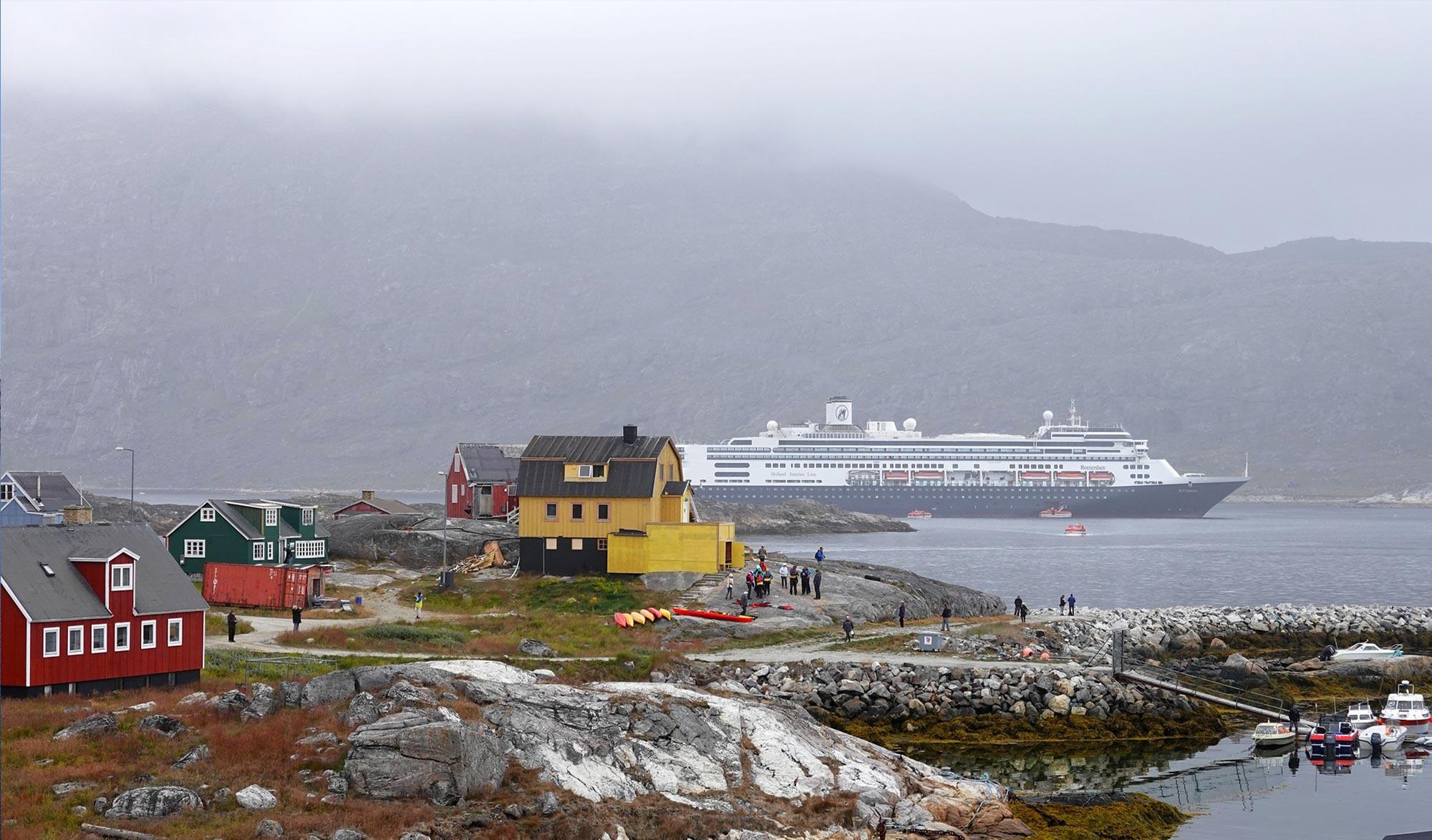 Navire de touriste au Groenland