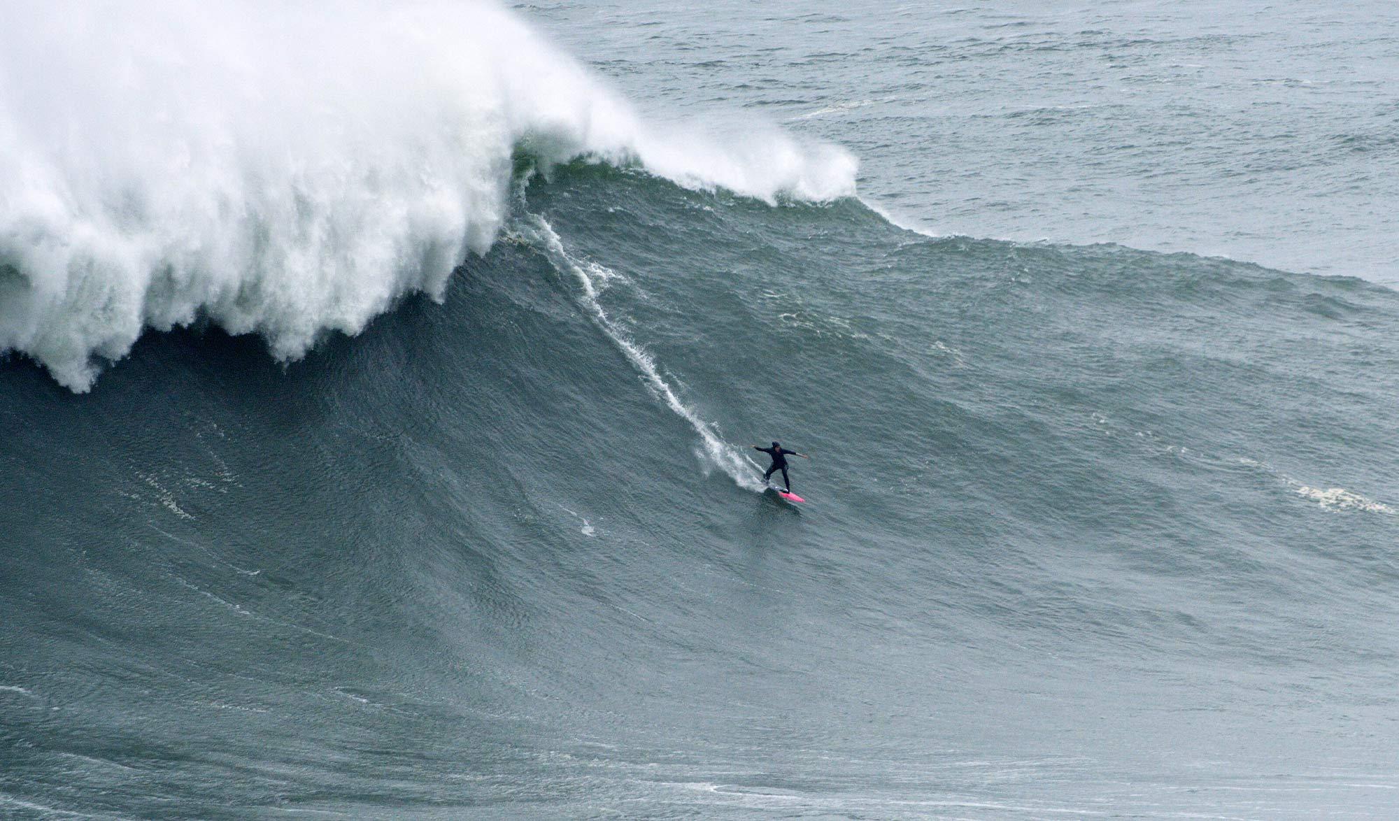 Justine Dupont : surf de grosse vague
