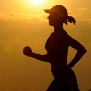Femme running