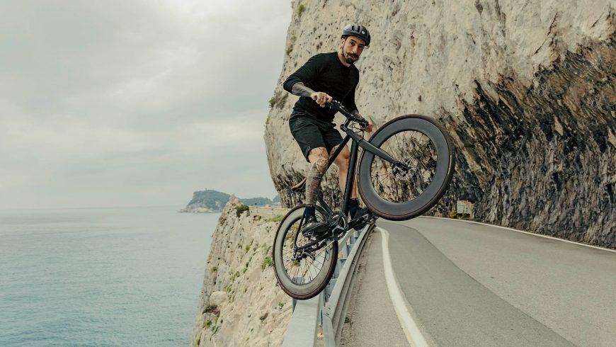 Vittorio Brumotti le cycliste italien qui traque les trafiquants de drogue