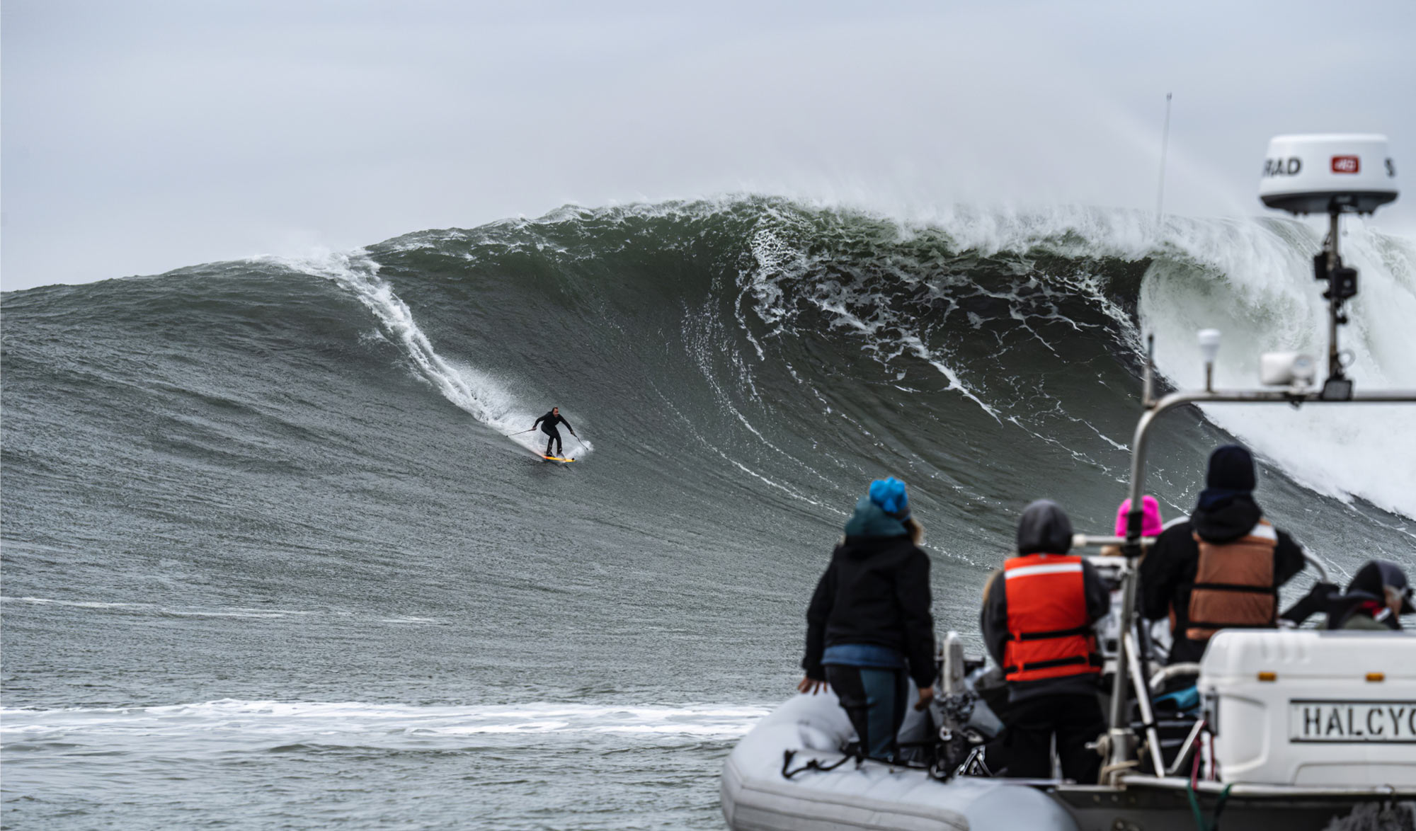 Mavericks Big Waves ski