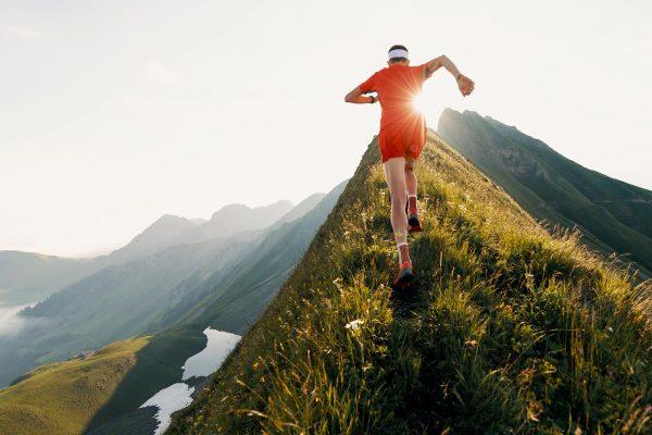 Trail running : marcher serait plus efficace que courir en montée