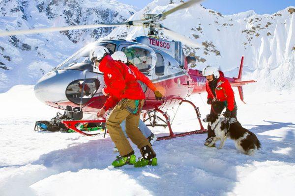 Hélicoptère de secours en montagne
