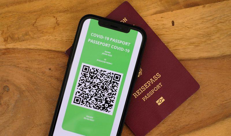 Passeport vaccinal : pourquoi pas mais … est-ce juridiquement possible en France ?