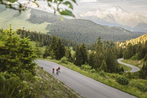 cyclotourisme : tour des alpes vaudoises en Suisse
