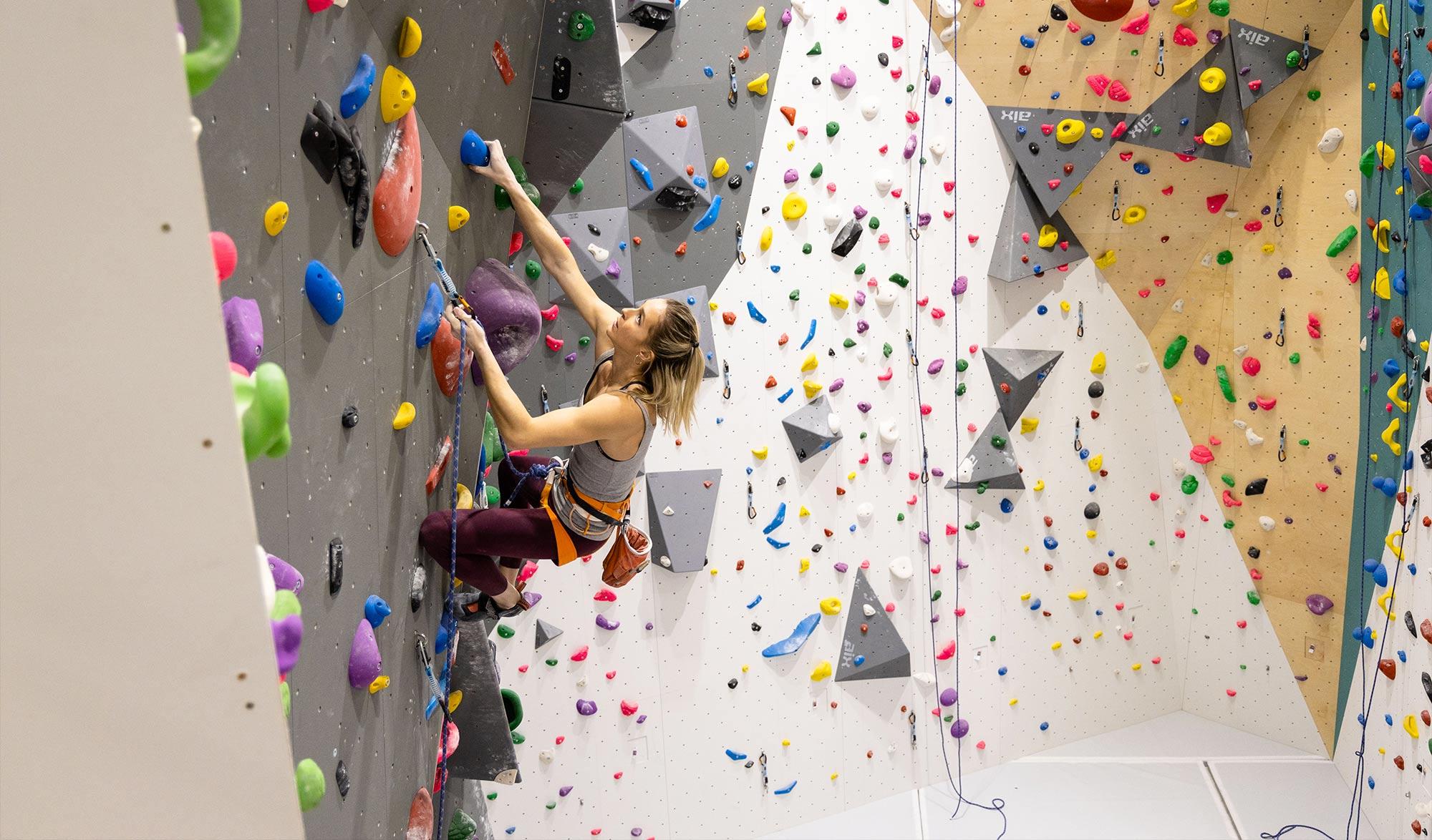 Climb Up porte d'Italie, la plus grande salle d'escalade de France