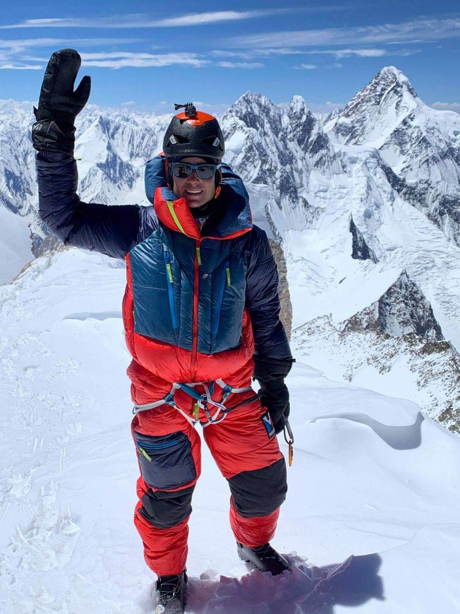 alpiniste ouverture à ski au Gasherbrum II